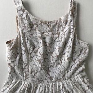 EUC Jessica Howard Overlay Lace Dresses